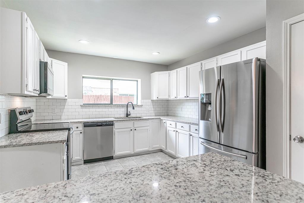 4205 Whitman  Lane, Grand Prairie, Texas 75052 - acquisto real estate best style realtor kim miller best real estate reviews dfw