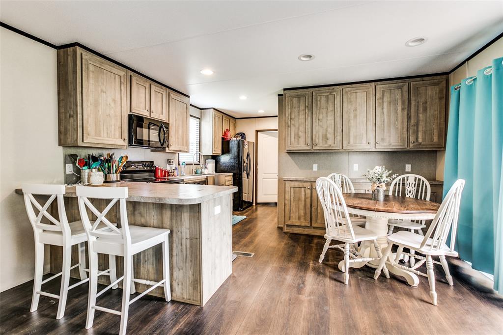 104 Sinclair  Avenue, Kerens, Texas 75144 - acquisto real estate best celina realtor logan lawrence best dressed realtor