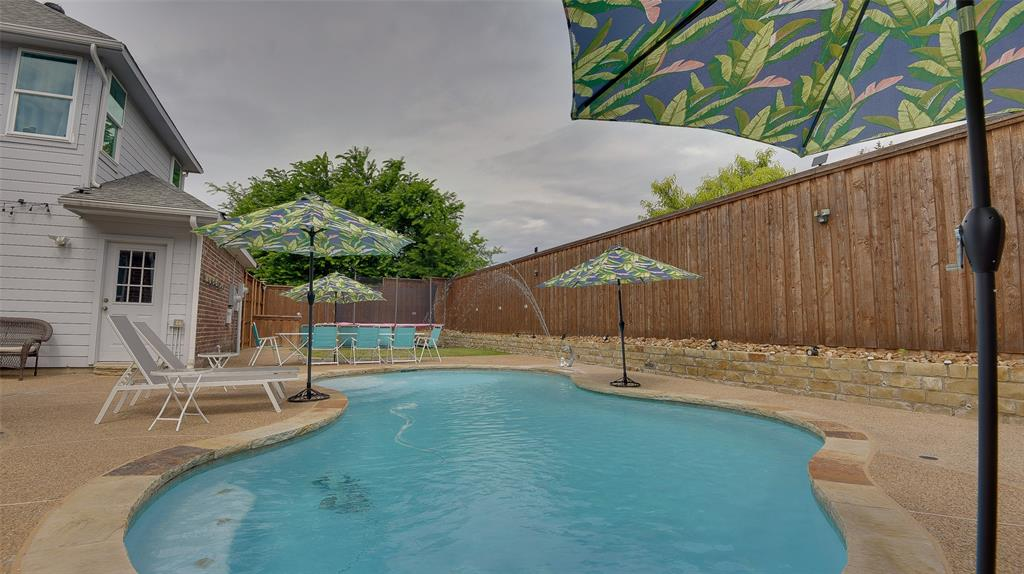 135 Sherwood  Drive, Murphy, Texas 75094 - acquisto real estate best new home sales realtor linda miller executor real estate