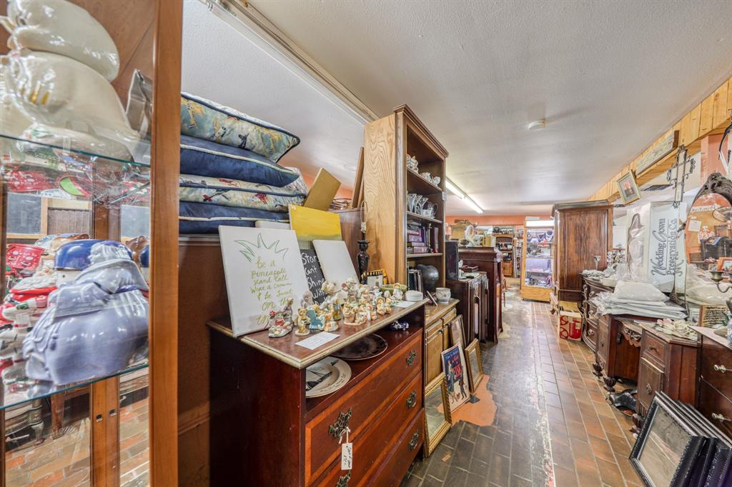 1500 Oak  Mineral Wells, Texas 76067 - acquisto real estate best luxury buyers agent in texas shana acquisto inheritance realtor
