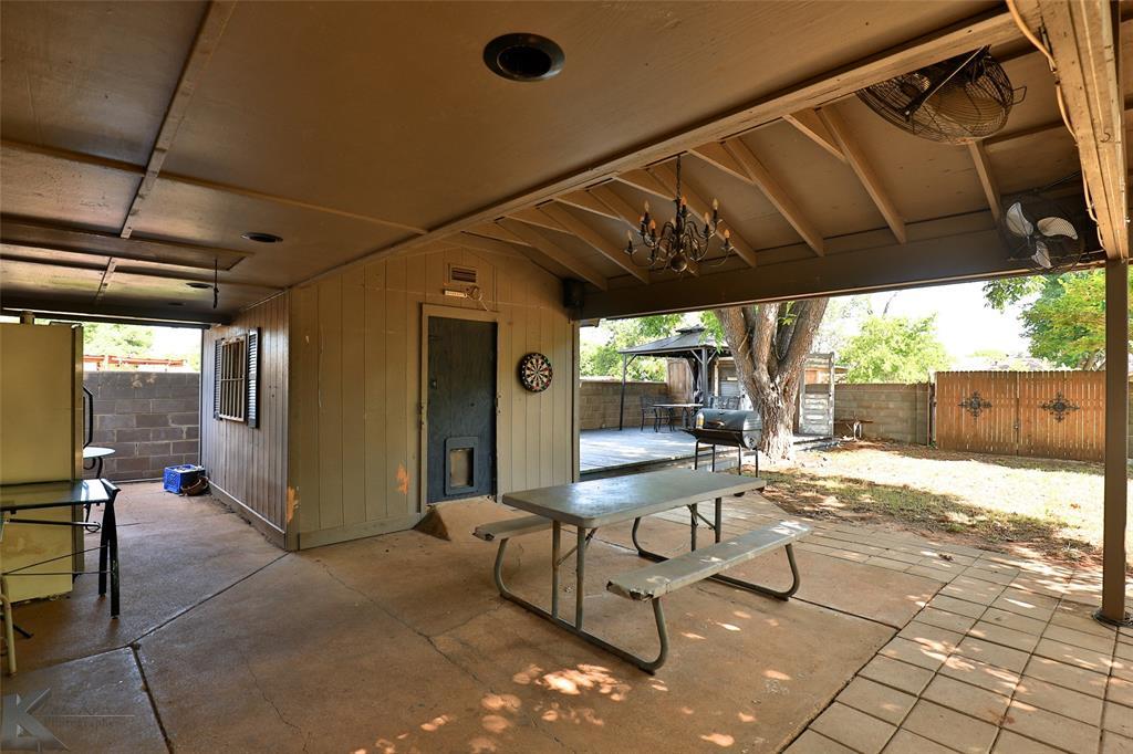 3916 Laurel  Drive, Abilene, Texas 79603 - acquisto real estate best park cities realtor kim miller best staging agent