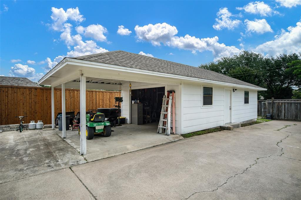 210 Mesa  Drive, Sunnyvale, Texas 75182 - acquisto real estate best park cities realtor kim miller best staging agent