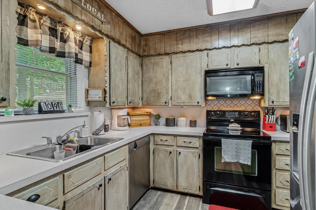 802 Lindy  Drive, Grand Saline, Texas 75140 - acquisto real estate best new home sales realtor linda miller executor real estate