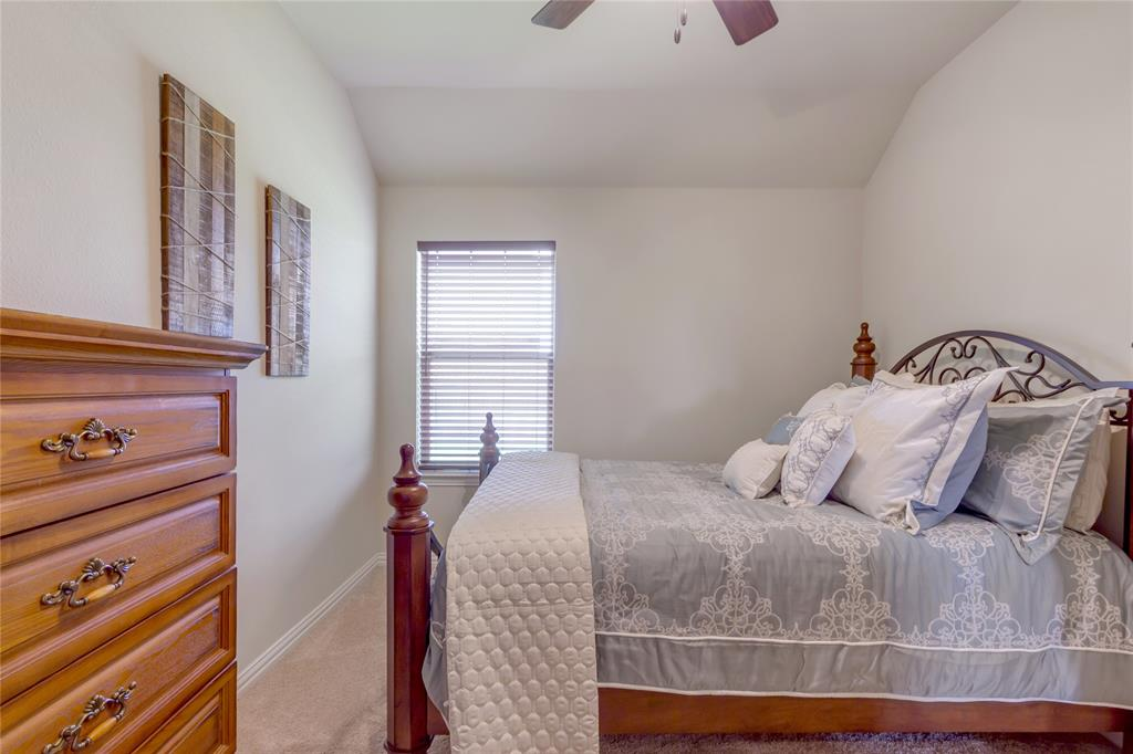 729 Sendero  Drive, Arlington, Texas 76002 - acquisto real estate best realtor foreclosure real estate mike shepeherd walnut grove realtor