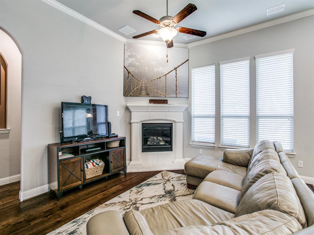 332 Prairie Ridge  Lane, Lewisville, Texas 75056 - acquisto real estate best celina realtor logan lawrence best dressed realtor