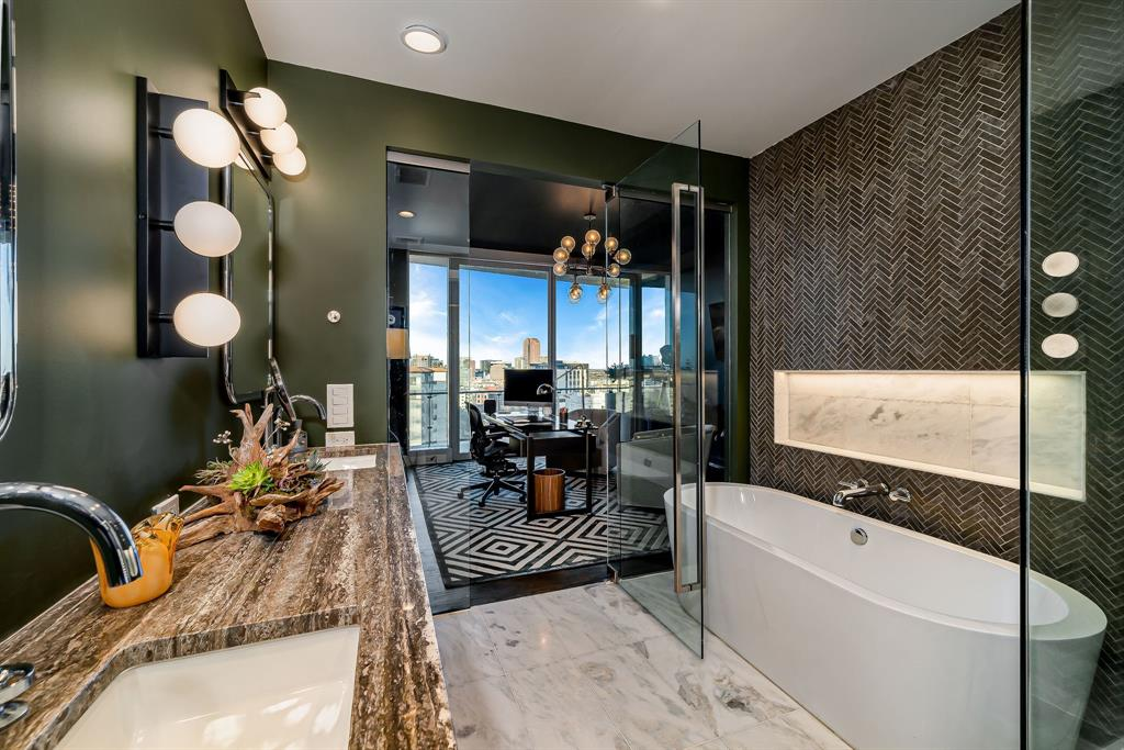 3130 Harwood  Street, Dallas, Texas 75201 - acquisto real estate best style realtor kim miller best real estate reviews dfw