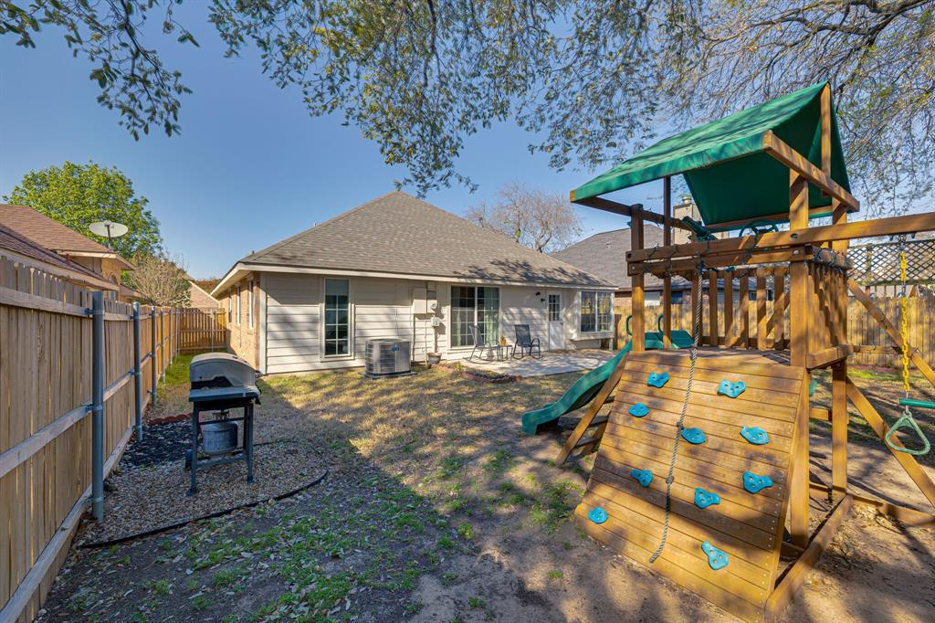 8608 Sabinas  Trail, Fort Worth, Texas 76118 - acquisto real estate best park cities realtor kim miller best staging agent