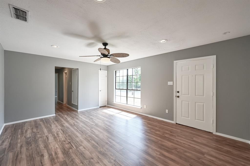 2401 Ben  Avenue, Fort Worth, Texas 76103 - acquisto real estate best real estate company to work for
