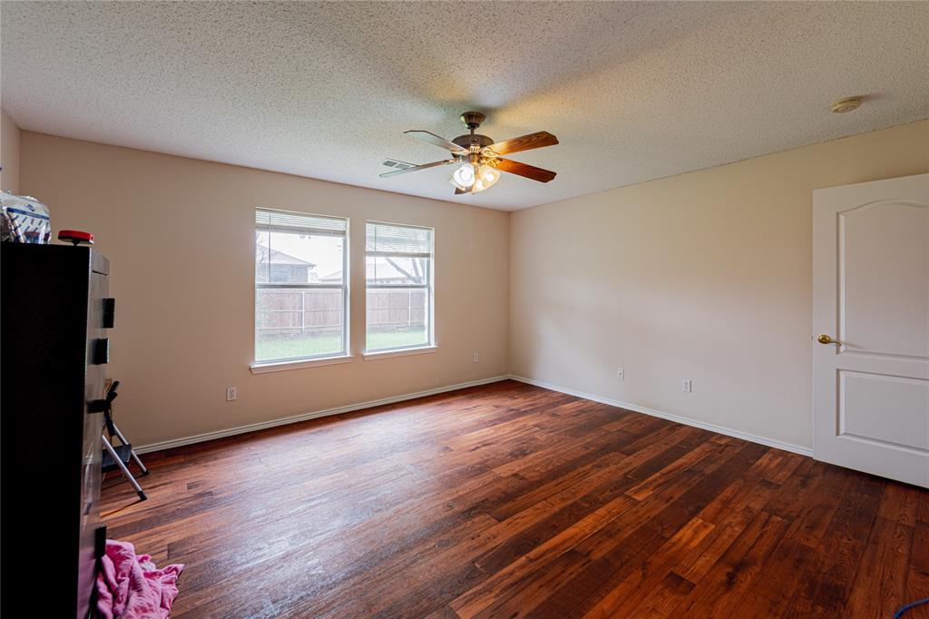 732 Oriole  Drive, Saginaw, Texas 76131 - acquisto real estate best highland park realtor amy gasperini fast real estate service