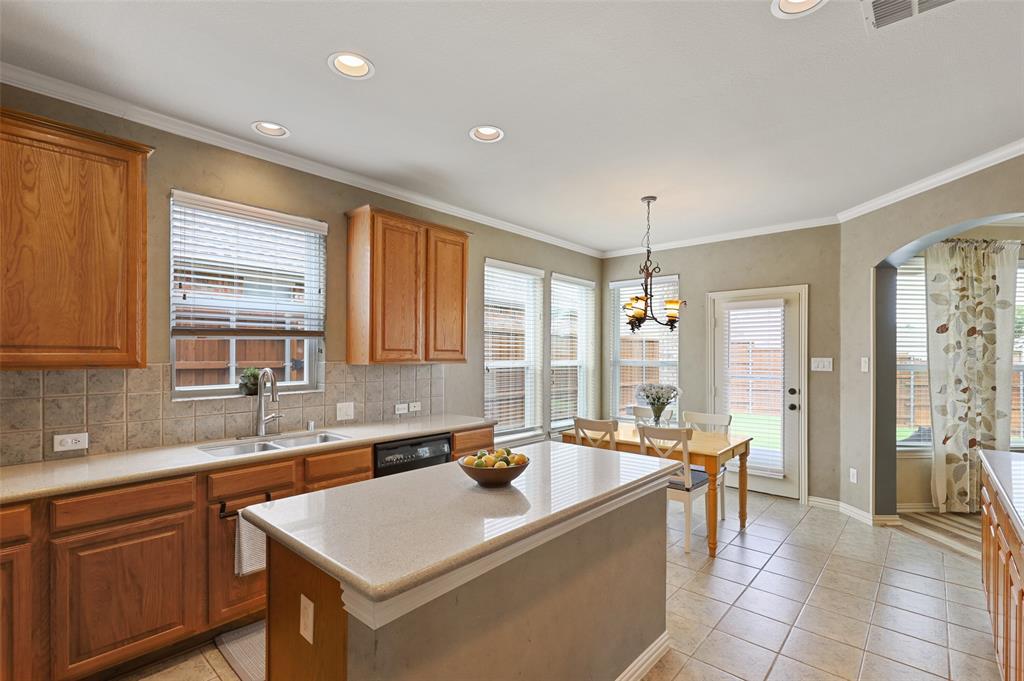 2941 Oakland Hills  Drive, Plano, Texas 75025 - acquisto real estate best designer and realtor hannah ewing kind realtor