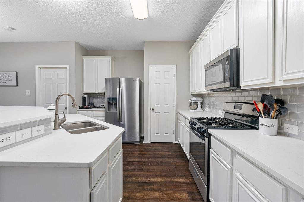 7238 Lazy Meadow  Lane, Frisco, Texas 75033 - acquisto real estate best real estate company to work for
