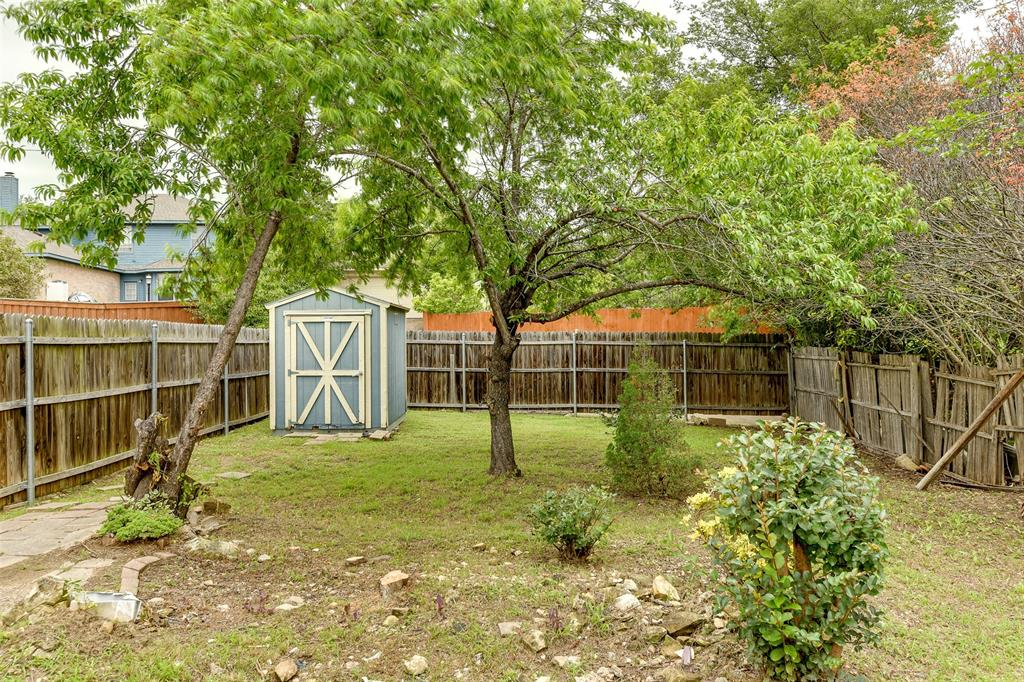 8715 Woodrigg  Drive, Dallas, Texas 75249 - acquisto real estate best realtor dallas texas linda miller agent for cultural buyers