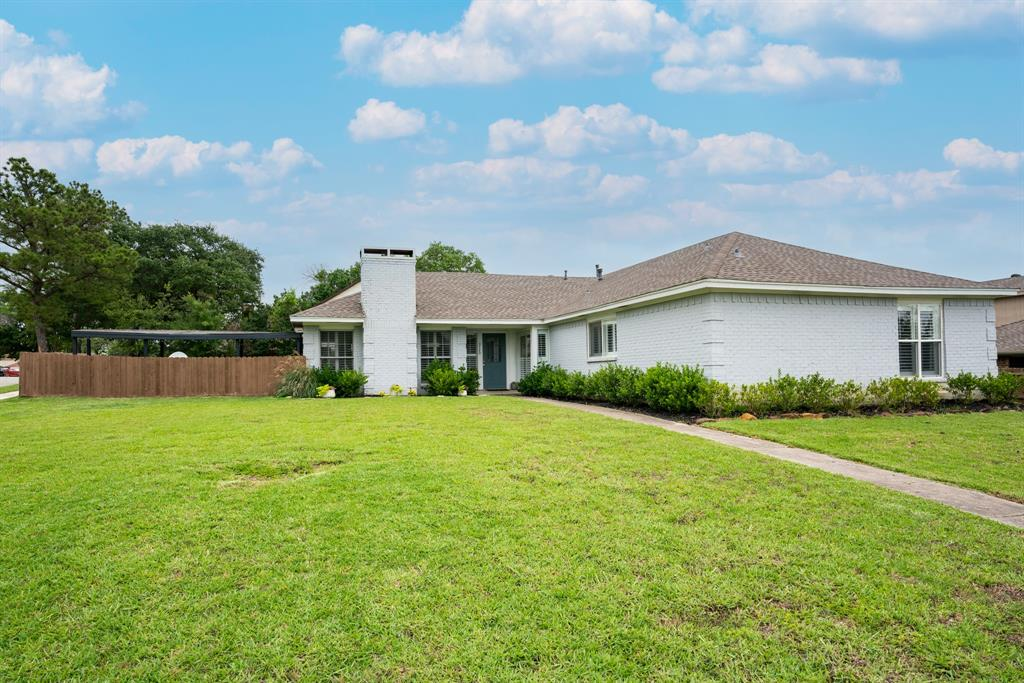 3720 Grasmere  Drive, Carrollton, Texas 75007 - Acquisto Real Estate best plano realtor mike Shepherd home owners association expert