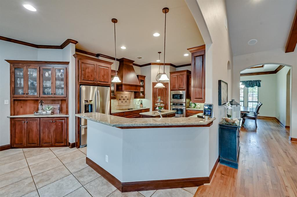 1040 Falcon Creek  Drive, Kennedale, Texas 76060 - acquisto real estate best designer and realtor hannah ewing kind realtor