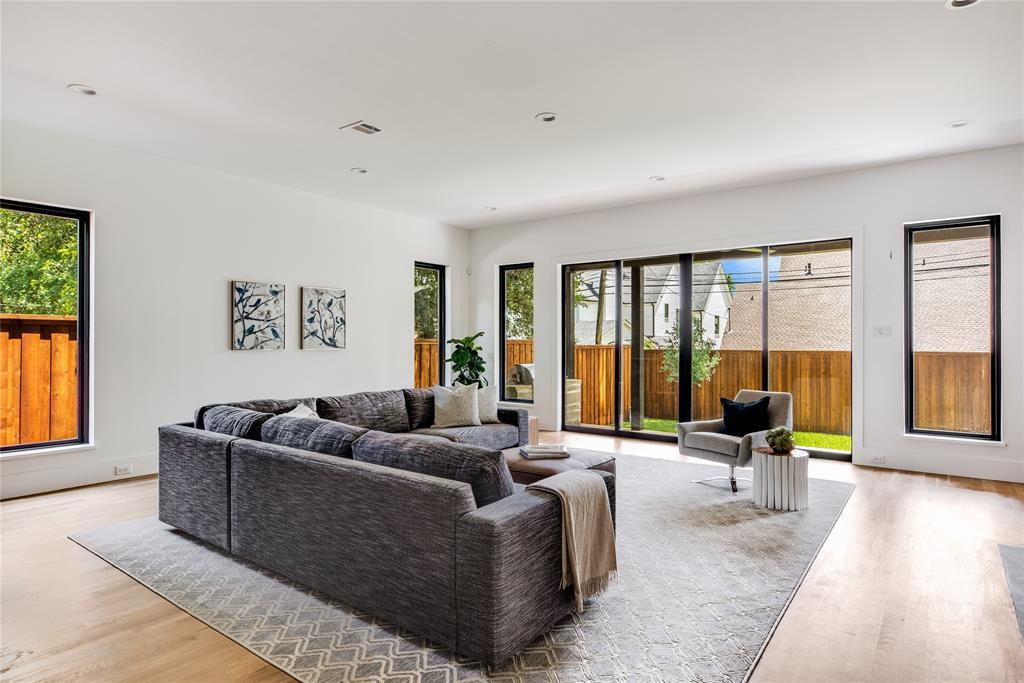 6442 Sondra  Drive, Dallas, Texas 75214 - acquisto real estate best style realtor kim miller best real estate reviews dfw