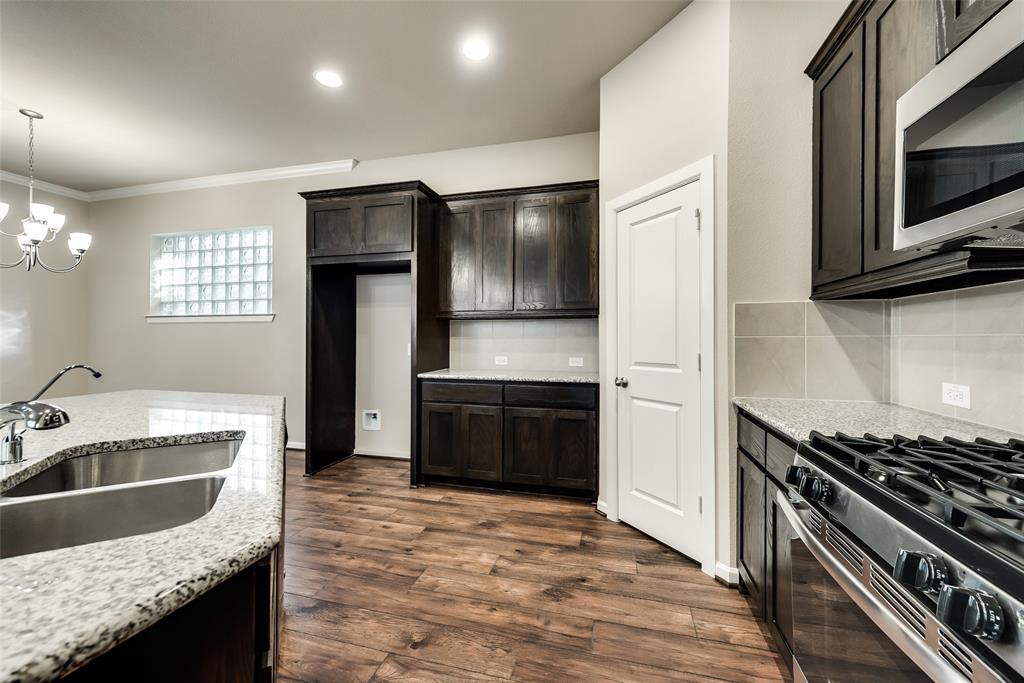 6827 Prompton  Bend, Irving, Texas 75063 - acquisto real estate best celina realtor logan lawrence best dressed realtor