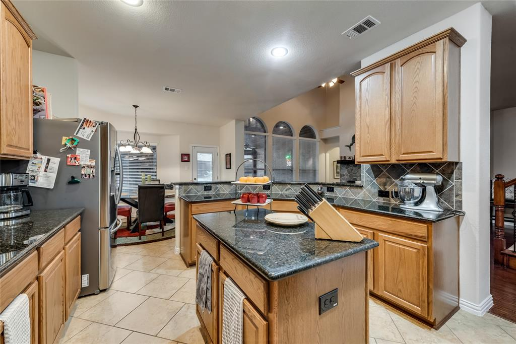1203 Norfolk  Street, Roanoke, Texas 76262 - acquisto real estate best style realtor kim miller best real estate reviews dfw
