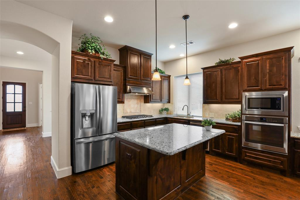 1624 Golf Club  Drive, Lantana, Texas 76226 - acquisto real estate best real estate company to work for