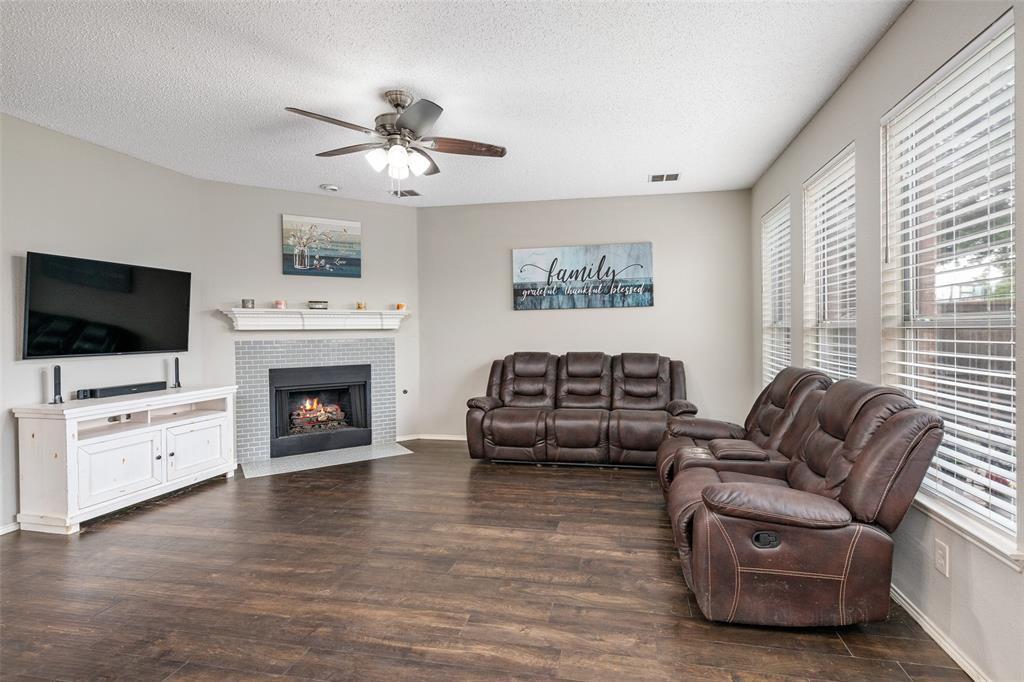 7238 Lazy Meadow  Lane, Frisco, Texas 75033 - acquisto real estate best celina realtor logan lawrence best dressed realtor