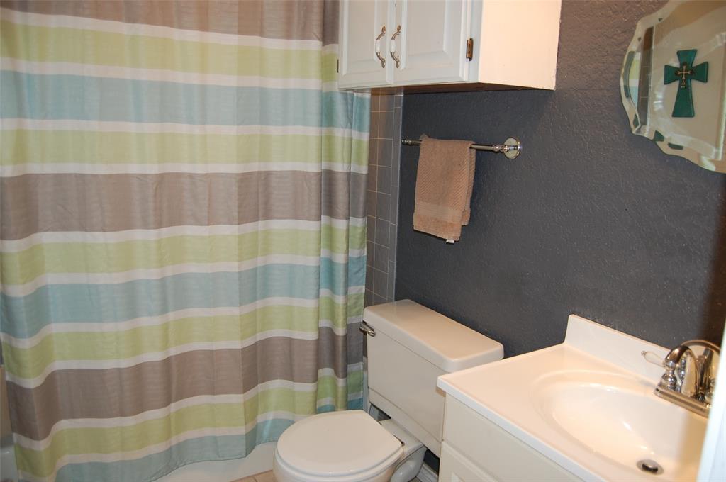 1402 Los Colinos  Court, Graham, Texas 76450 - acquisto real estate best new home sales realtor linda miller executor real estate