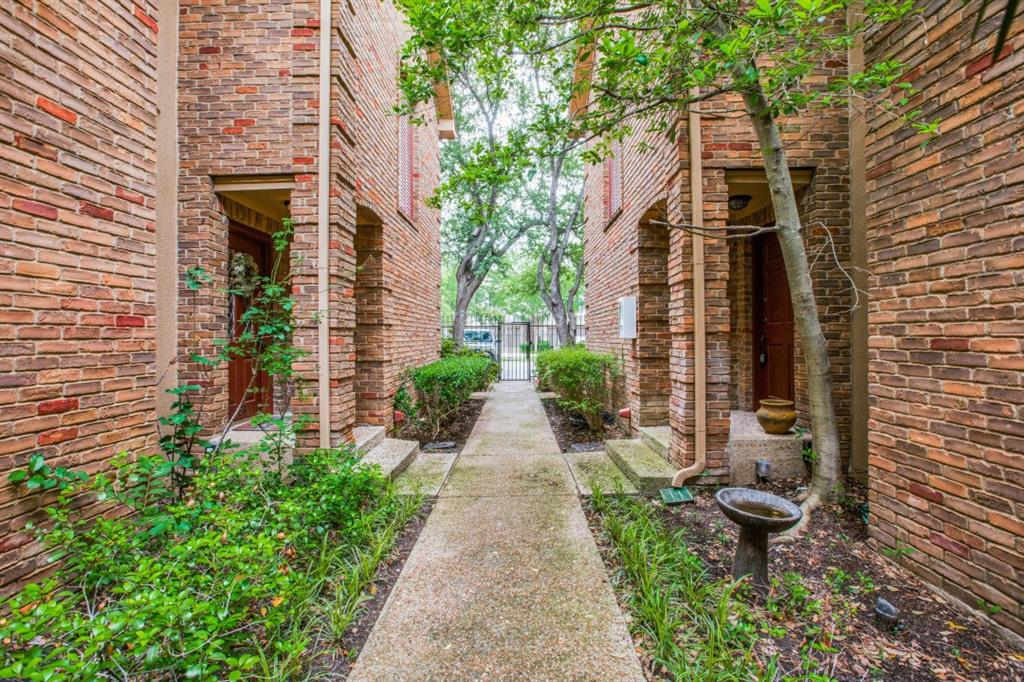 4307 Gilbert  Avenue, Dallas, Texas 75219 - Acquisto Real Estate best plano realtor mike Shepherd home owners association expert