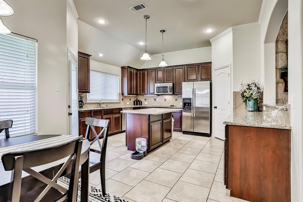 1412 Mesa Flats  Drive, Fort Worth, Texas 76052 - acquisto real estate best luxury buyers agent in texas shana acquisto inheritance realtor