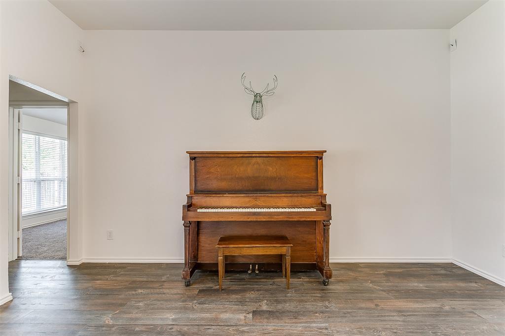 203 Seminole  Trail, Alvarado, Texas 76009 - acquisto real estate best listing listing agent in texas shana acquisto rich person realtor