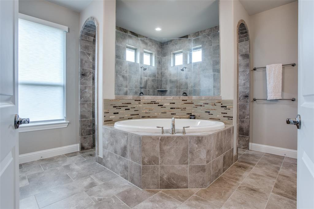 8431 Forest Creek  Lane, Anna, Texas 75409 - acquisto real estate best photos for luxury listings amy gasperini quick sale real estate
