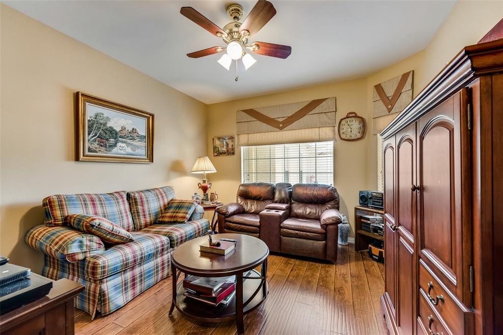 8917 Crestview  Drive, Denton, Texas 76207 - acquisto real estate best style realtor kim miller best real estate reviews dfw