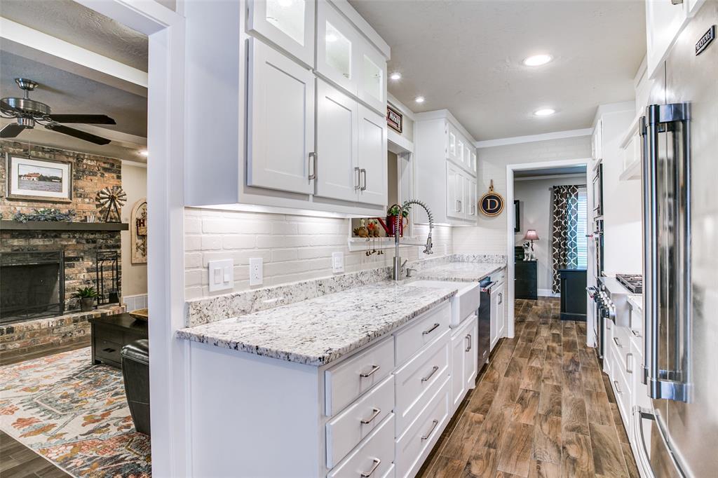 809 Wheelwood  Drive, Hurst, Texas 76053 - acquisto real estate best luxury buyers agent in texas shana acquisto inheritance realtor