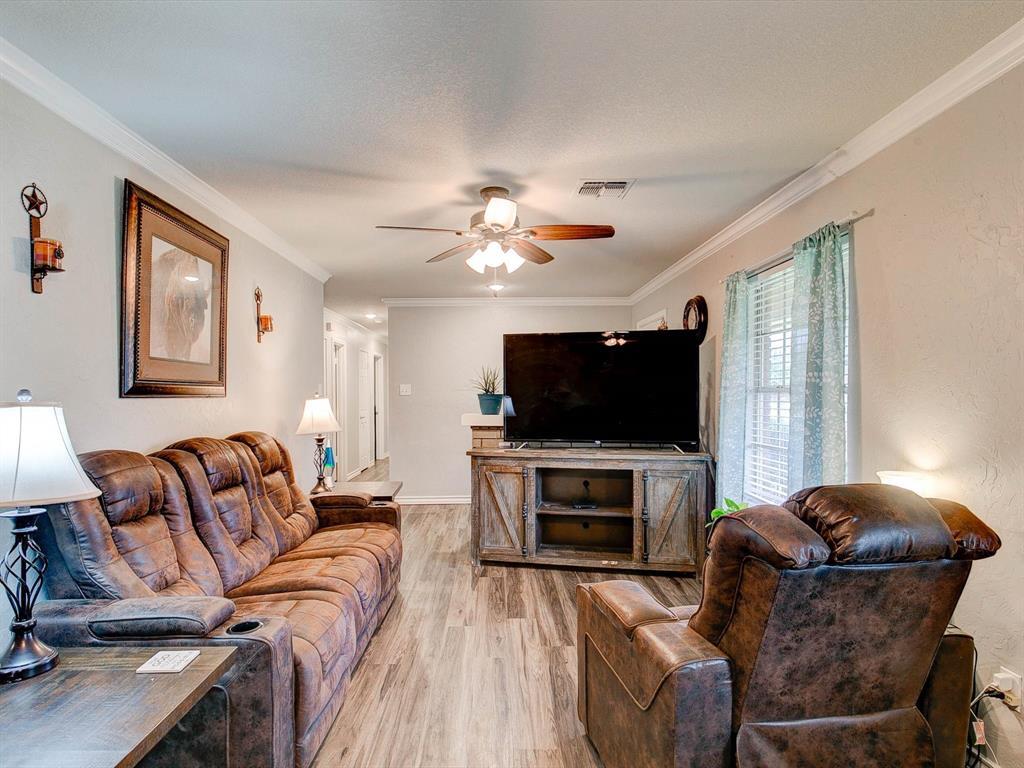 401 Wilson  Avenue, Whitney, Texas 76692 - acquisto real estate best prosper realtor susan cancemi windfarms realtor