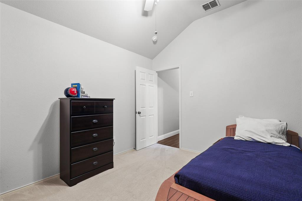 1432 Castlegar  Lane, Fort Worth, Texas 76247 - acquisto real estate best realtor foreclosure real estate mike shepeherd walnut grove realtor