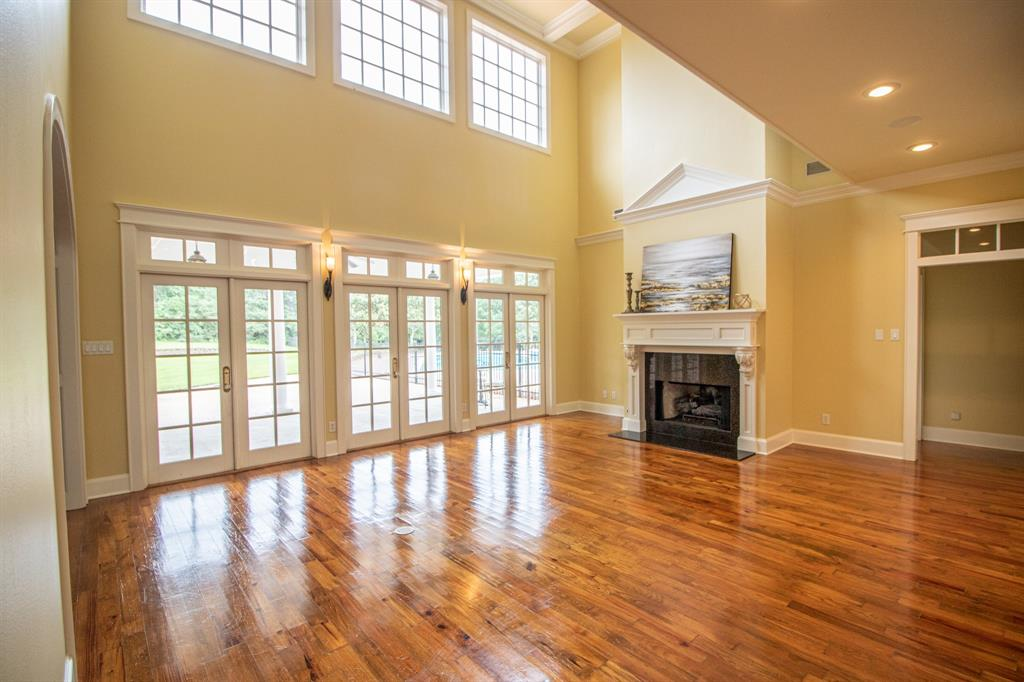 902 South  Street, Lindale, Texas 75771 - acquisto real estate best listing agent in the nation shana acquisto estate realtor