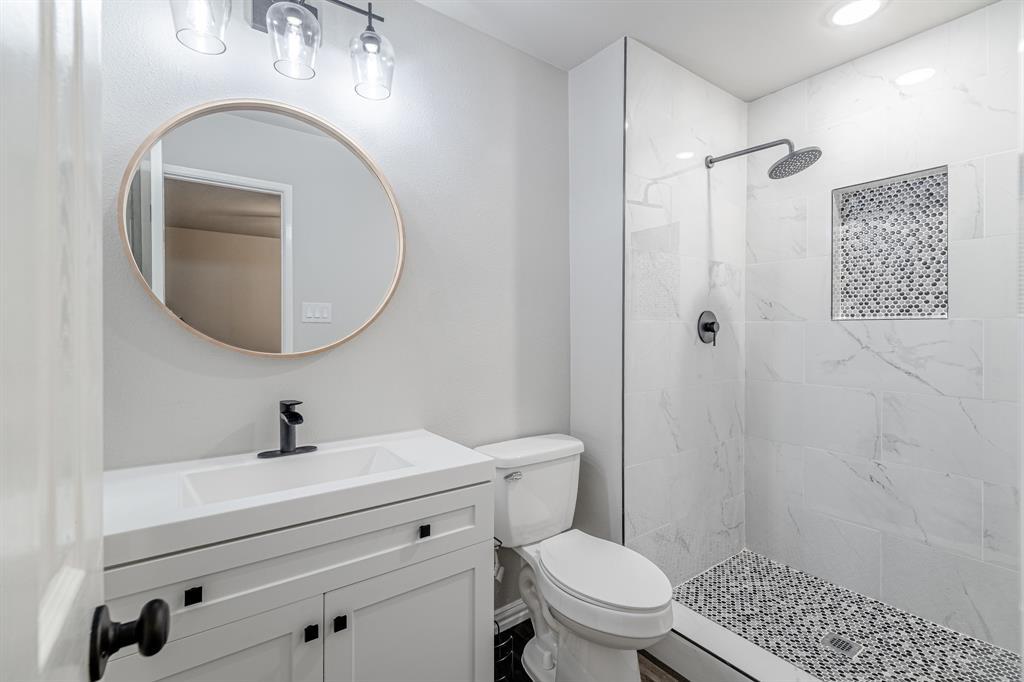 6221 Glenmoor  Drive, Garland, Texas 75043 - acquisto real estate best realtor dallas texas linda miller agent for cultural buyers