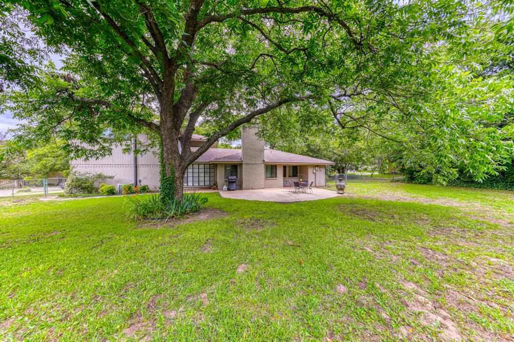 807 Hilltop  Drive, Weatherford, Texas 76086 - acquisto real estate best listing photos hannah ewing mckinney real estate expert