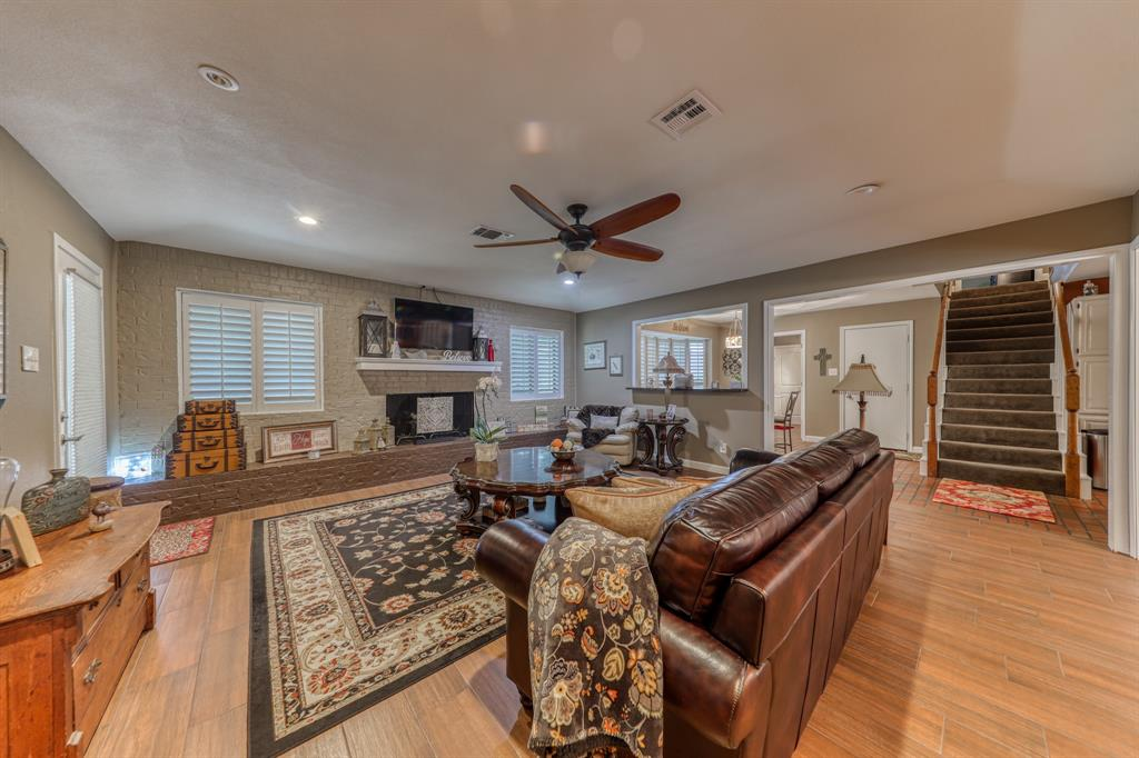807 Hilltop  Drive, Weatherford, Texas 76086 - acquisto real estate best flower mound realtor jody daley lake highalands agent of the year