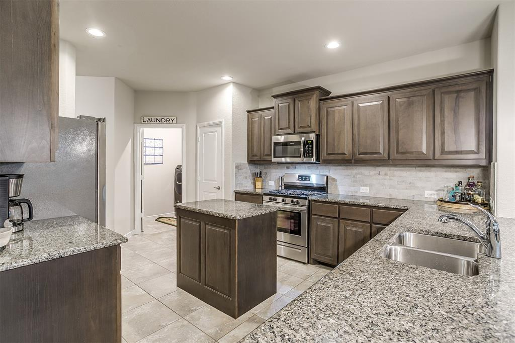 817 Dove  Cove, Argyle, Texas 76226 - acquisto real estate best new home sales realtor linda miller executor real estate