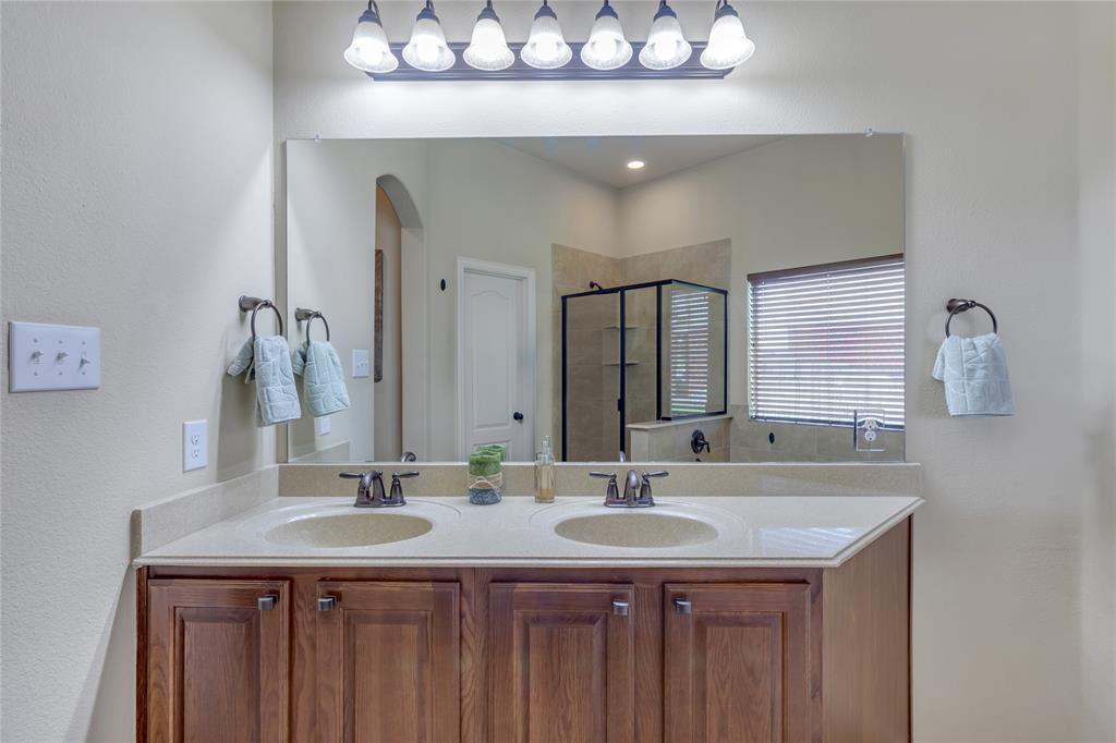729 Sendero  Drive, Arlington, Texas 76002 - acquisto real estate best investor home specialist mike shepherd relocation expert