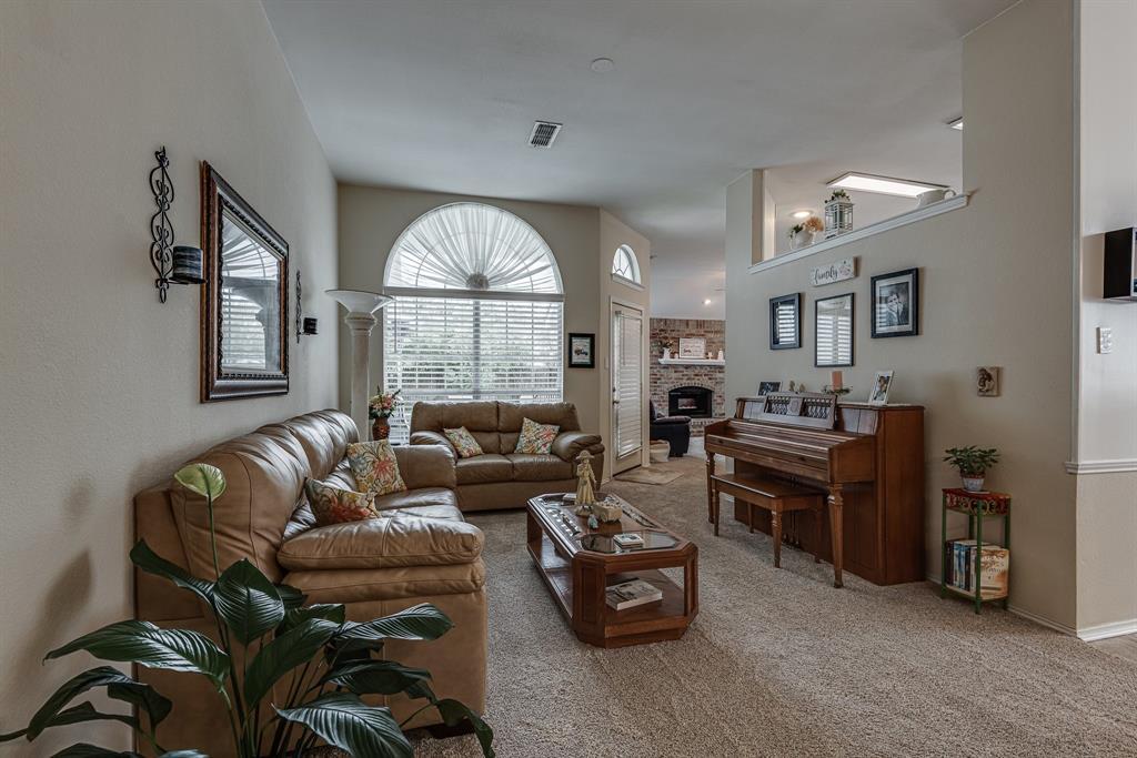 2205 Villanova  Street, Arlington, Texas 76018 - acquisto real estate best allen realtor kim miller hunters creek expert