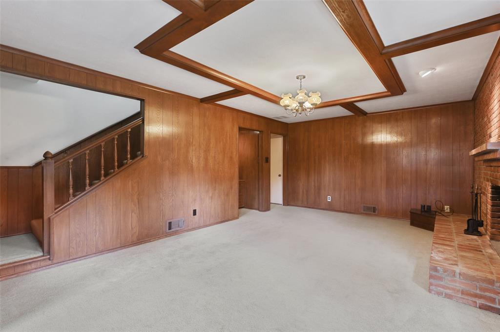 9525 Brentgate  Drive, Dallas, Texas 75238 - acquisto real estate best new home sales realtor linda miller executor real estate