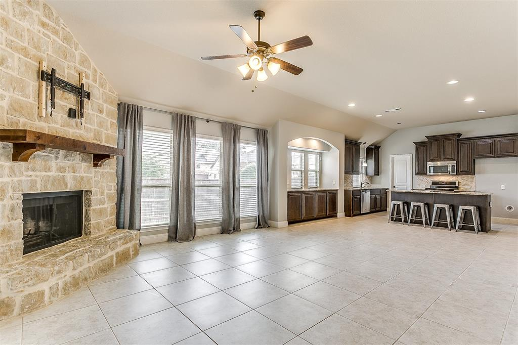 1000 Tarragon  Drive, Burleson, Texas 76028 - acquisto real estate best investor home specialist mike shepherd relocation expert