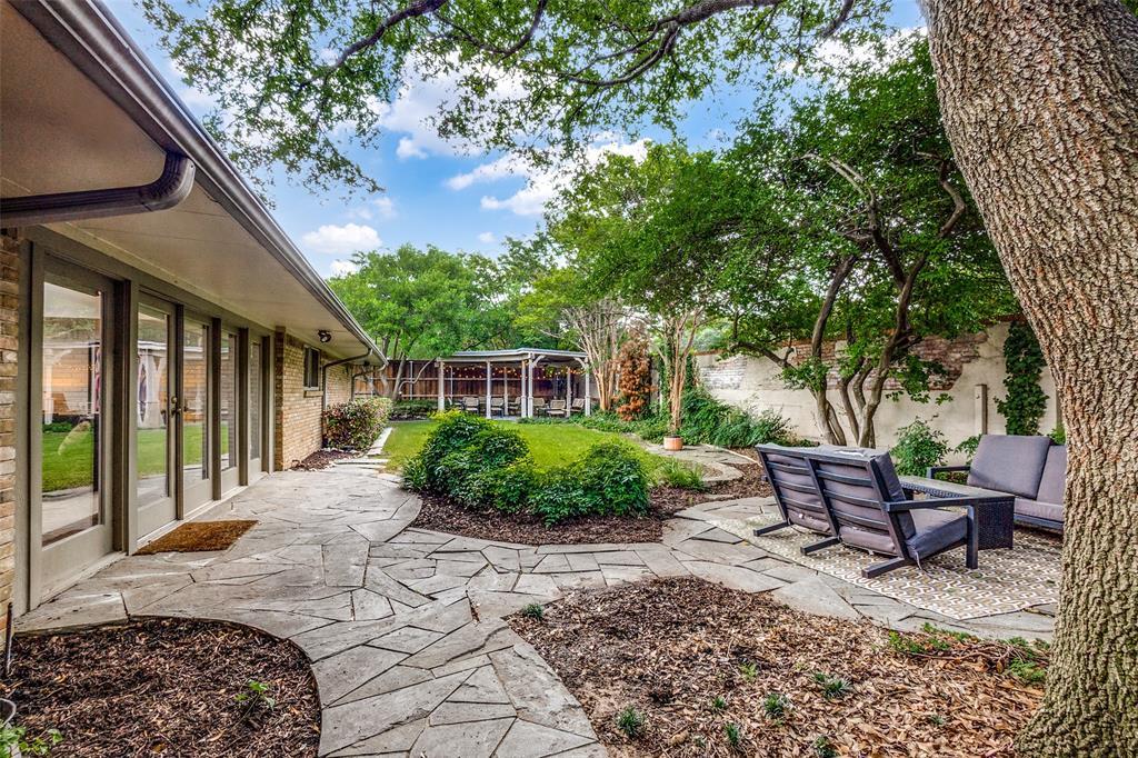 4240 Glenaire  Drive, Dallas, Texas 75229 - acquisto real estate best looking realtor in america shana acquisto
