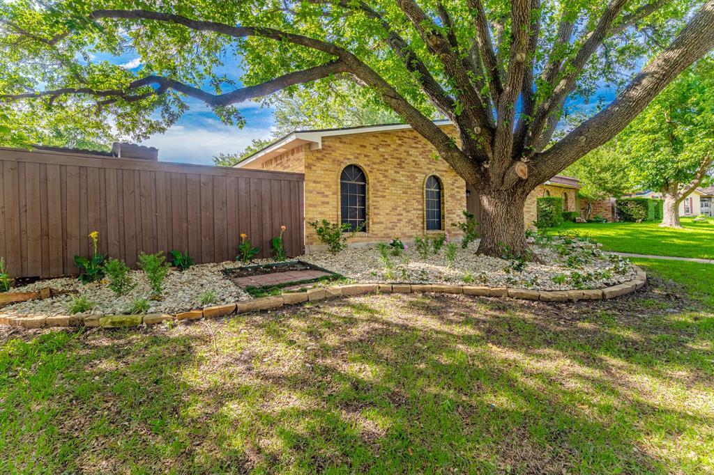 6221 Glenmoor  Drive, Garland, Texas 75043 - acquisto real estate best real estate idx dilusso marketing mike acquisto