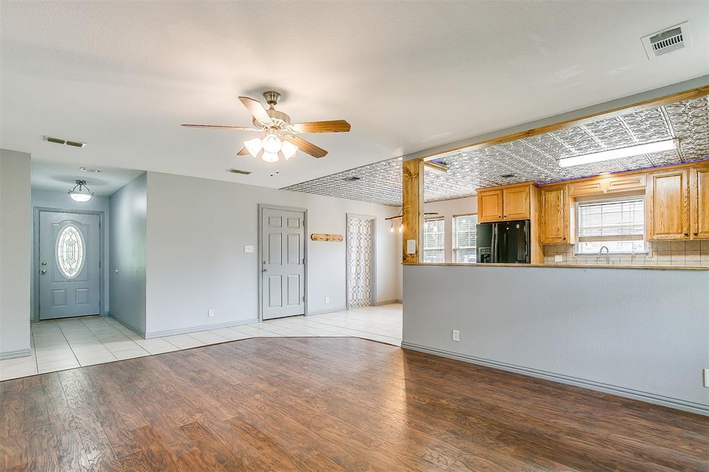 1107 6th  Street, Springtown, Texas 76082 - acquisto real estate best celina realtor logan lawrence best dressed realtor