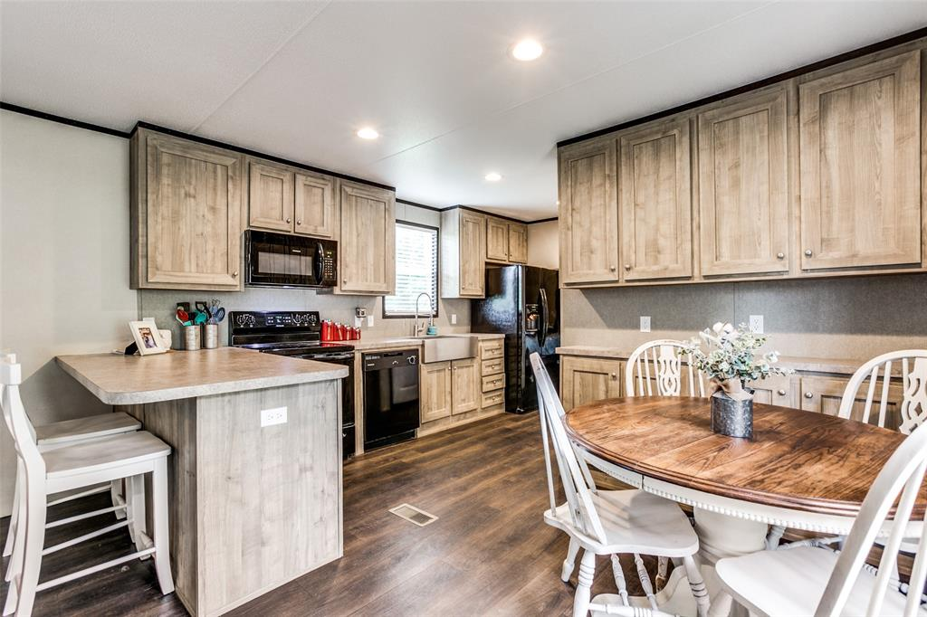 104 Sinclair  Avenue, Kerens, Texas 75144 - acquisto real estate best listing agent in the nation shana acquisto estate realtor