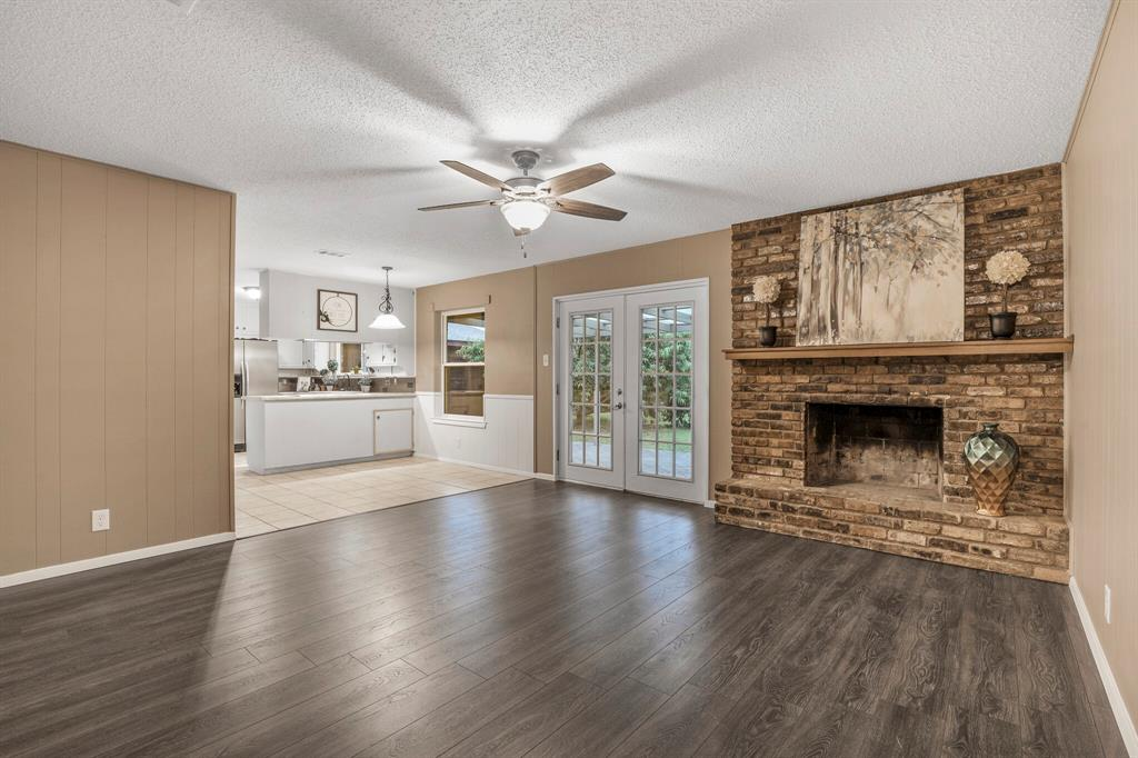 800 Prestwick  Street, Bedford, Texas 76022 - acquisto real estate best prosper realtor susan cancemi windfarms realtor