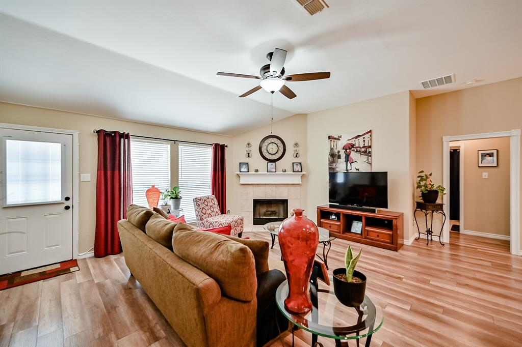 7002 Snowy Owl  Street, Arlington, Texas 76002 - acquisto real estate best realtor dallas texas linda miller agent for cultural buyers