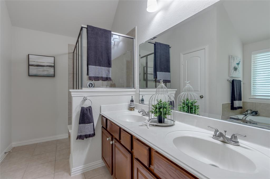 3805 Gregory  Drive, McKinney, Texas 75071 - acquisto real estate best frisco real estate broker in texas for high net worth buyers