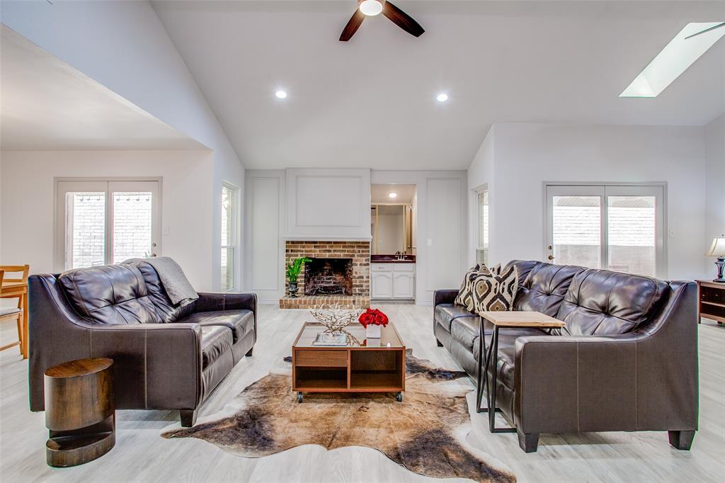 3107 Bryan  Street, Dallas, Texas 75204 - acquisto real estate best flower mound realtor jody daley lake highalands agent of the year