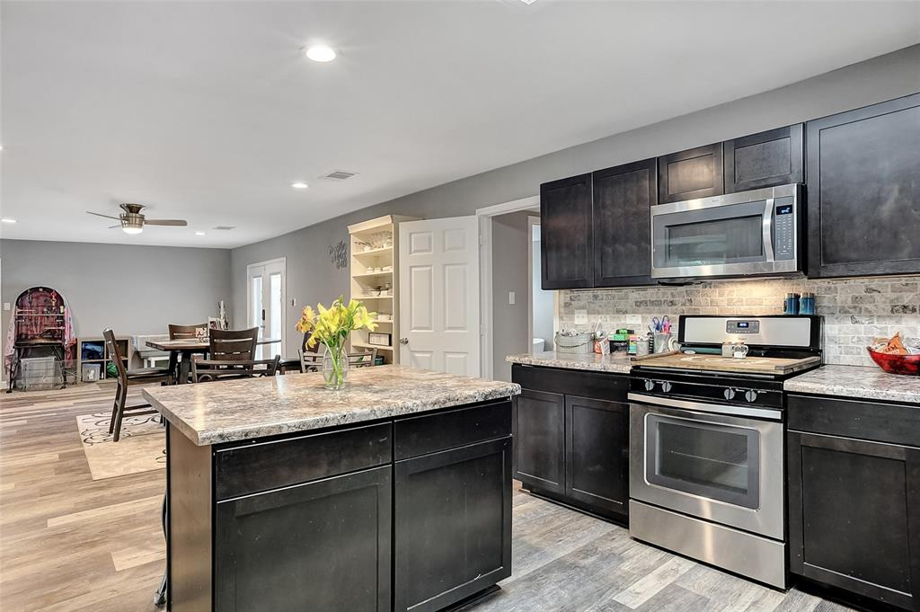 205 Broadway  Street, Whitesboro, Texas 76273 - acquisto real estate best new home sales realtor linda miller executor real estate